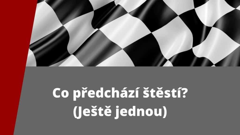 Šachovnice (cílový praporek) na obrázku souvisí s fenoménem x-bodu, popisovaném v článku o štěstí